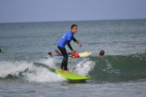 Les élèves de Mathieu Ropartz doivent se rendre à Locquirec pour surfer.