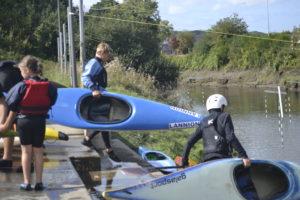 Les jeunes kayakistes lannionais s'efforcent de préserver le milieu dans lequel ils s'adonnent à leur sport.